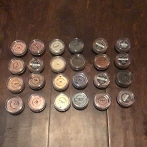 NWT BARE MINERALS EYESHADOW LOT OF 24 COLORS